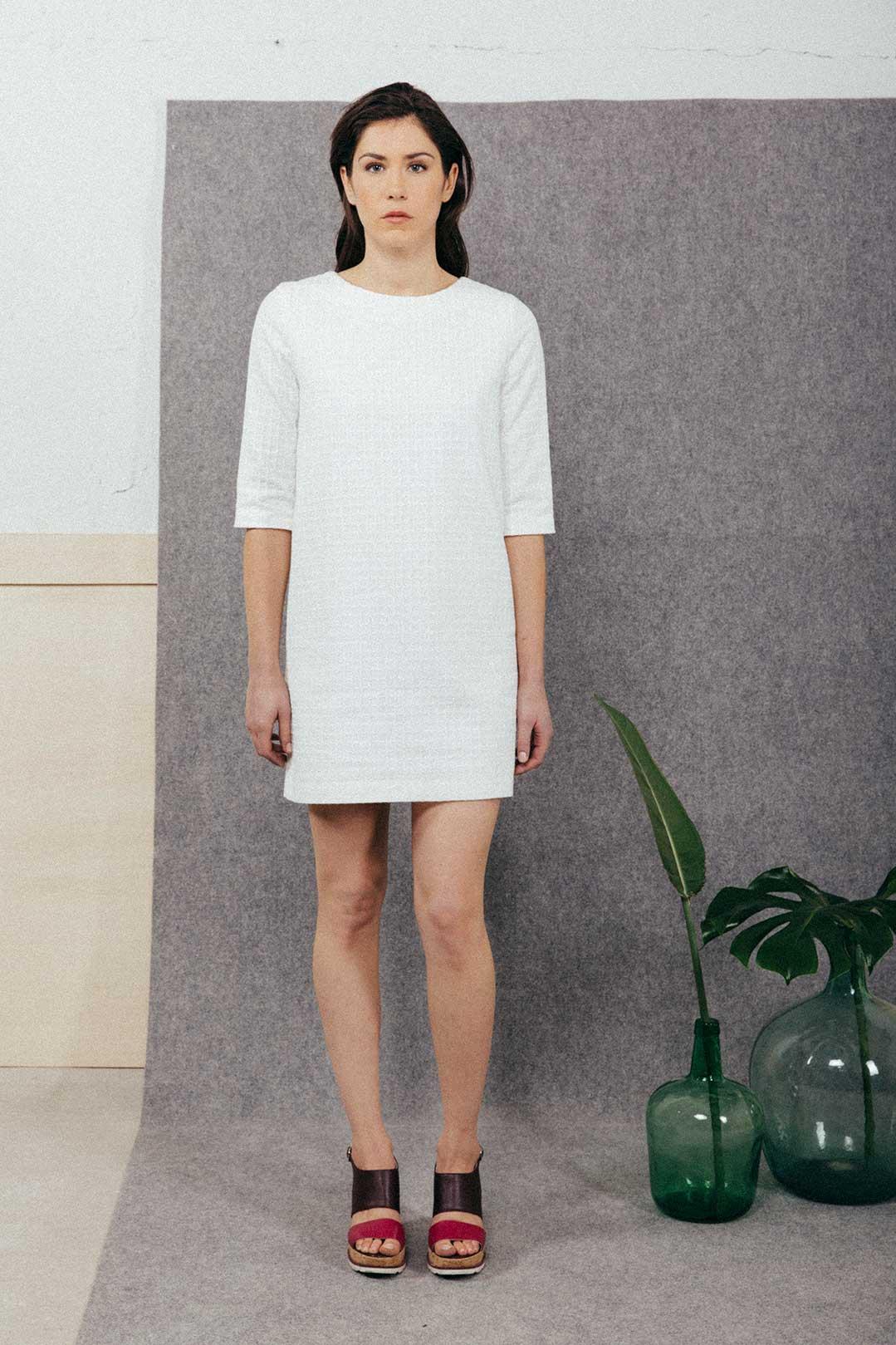 robe blanche manche 3/4