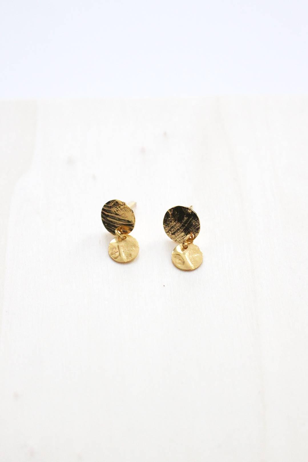 puce-oreilles-martelé-plaqué-or