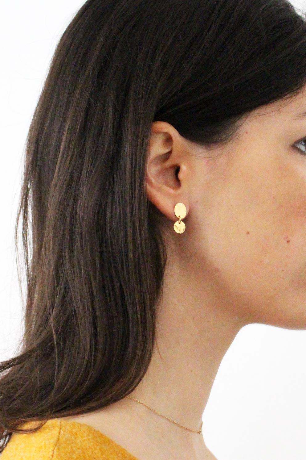puce-oreilles-plaqué-or-martelé-6