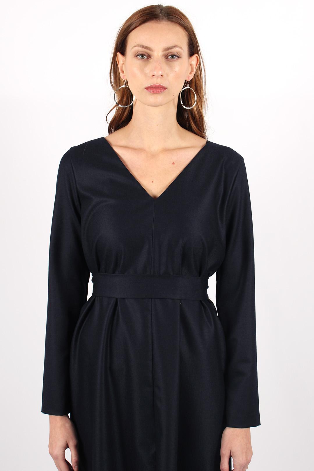 robe droite en laine bleu marine10