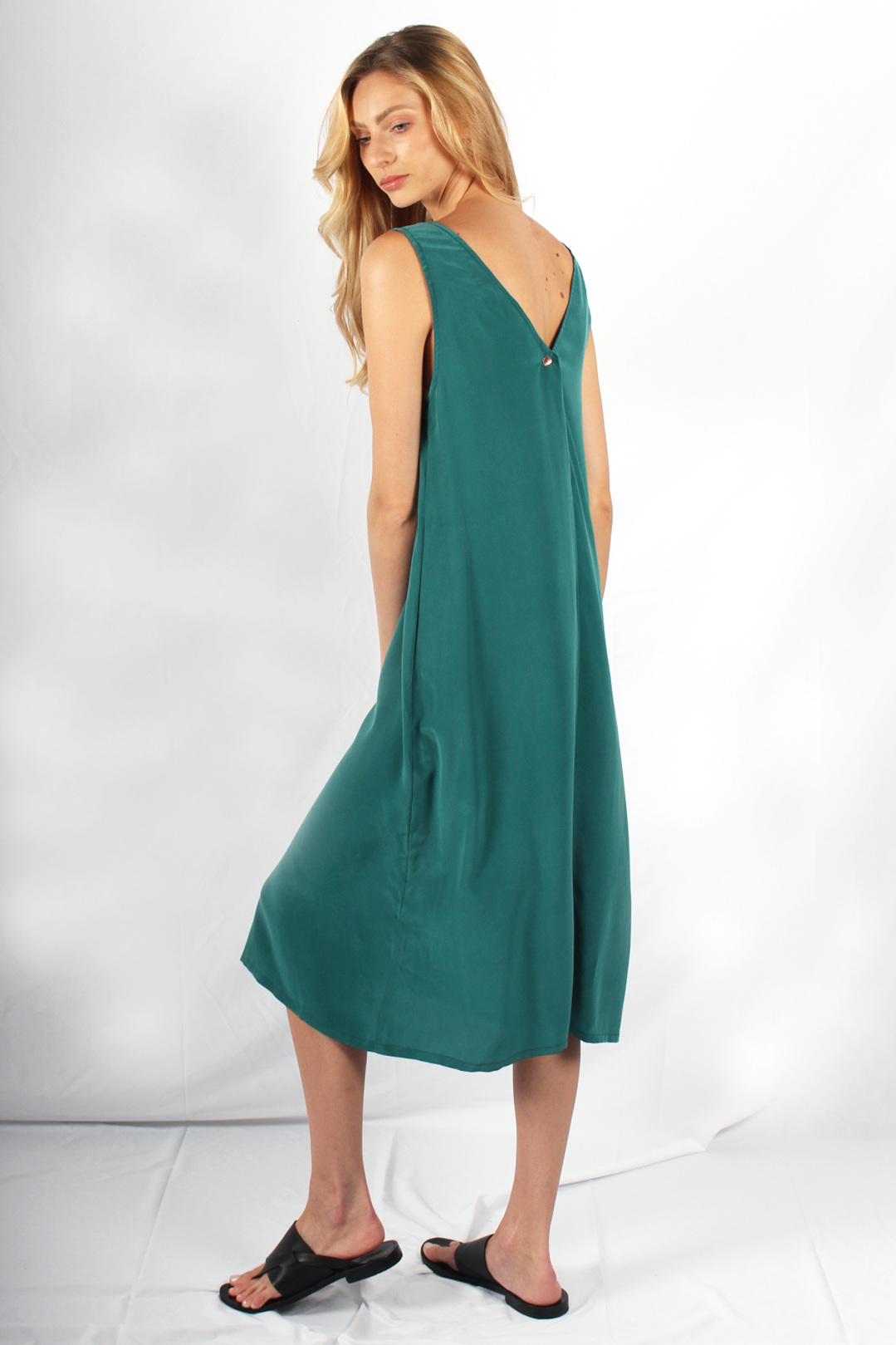 robe longue en soie verte3