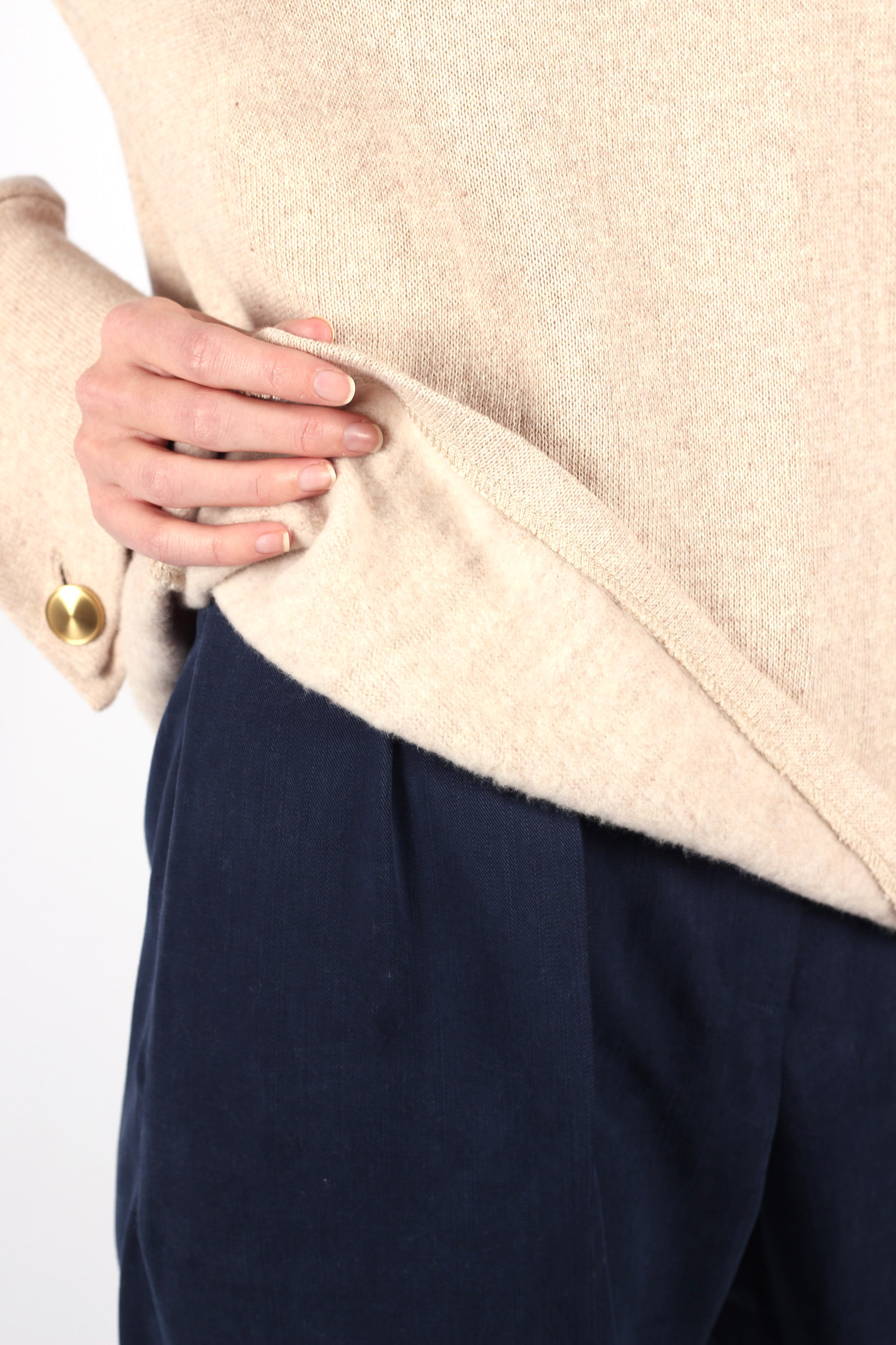 Pull beige col cheminé en coton recylé10